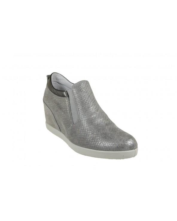 IMAC - sneakersy na koturnie